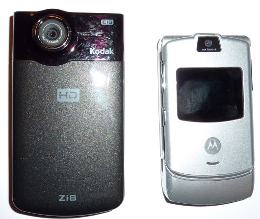 Zi8 and Razr Side by Side